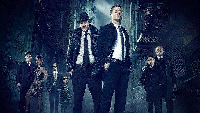 Gotham inicia la transformación de Bruce Wayne en su última promo