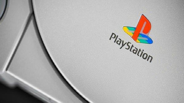 PlayStation y todos sus juegos japoneses originales, a subasta