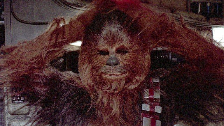 Star Wars: El nuevo Chewbacca homenajea a su antecesor en una emotiva carta