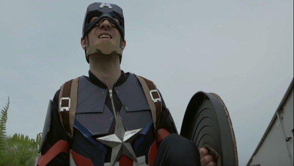La versión low cost del tráiler de Capitán América: Civil War
