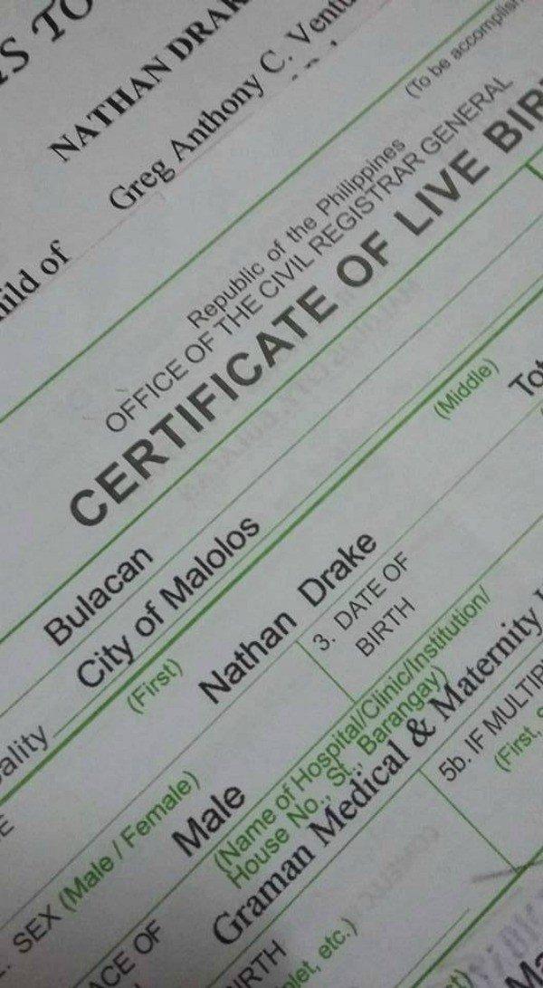 PlayStation felicita a unos padres filipinos por llamar a su hijo ...
