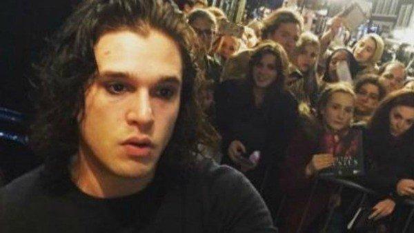 Kit Harington conmociona a sus fans al afeitarse