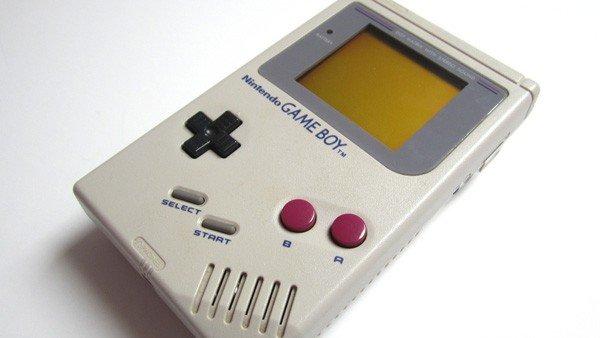 E3 2016 U-tad: Este accesorio te permite jugar a los clásicos de Game Boy en Android