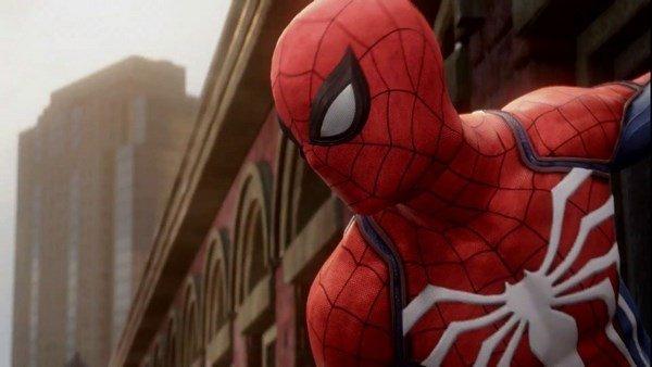 Spider-Man: El símbolo blanco del pecho tiene su explicación