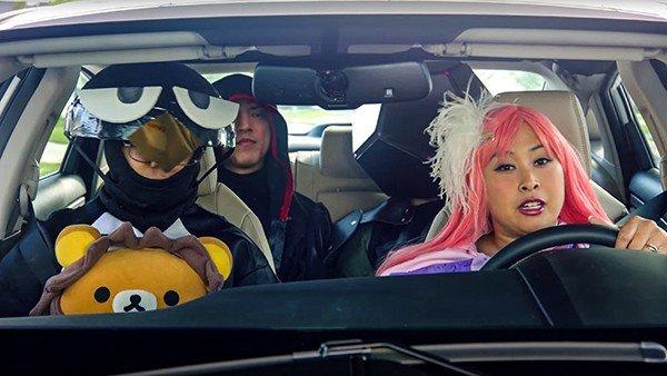 Un grupo de cosplayers protagoniza este disparatado anuncio de coches