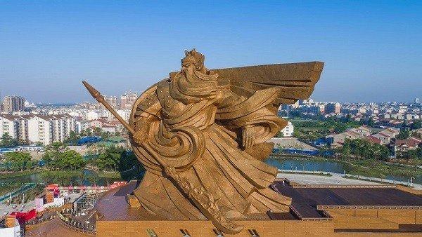 Dynasty Warriors: Construyen en China una escultura gigante de Guan Yu