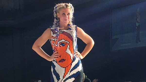 Star Wars: Este vestido que homenajea a Ashoka Tano está confeccionado con bloques de Lego