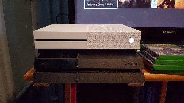 Xbox One S es así comparada con su predecesora y PlayStation 4
