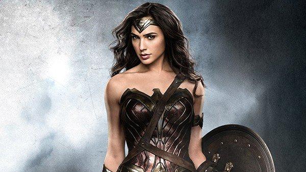 Wonder Woman: Un artista convierte una muñeca corriente en una obra de arte