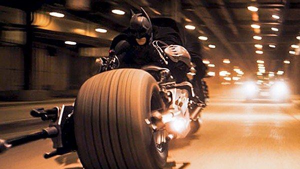 El Caballero Oscuro: La auténtica moto de Batman está a la venta