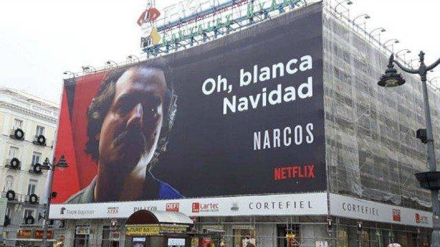 Netflix desata la polémica con un cartel publicitario de Narcos en Madrid