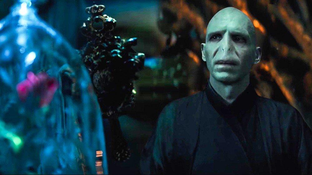 La Bella y la Bestia: Voldemort se enamora de Bella en este tráiler alternativo
