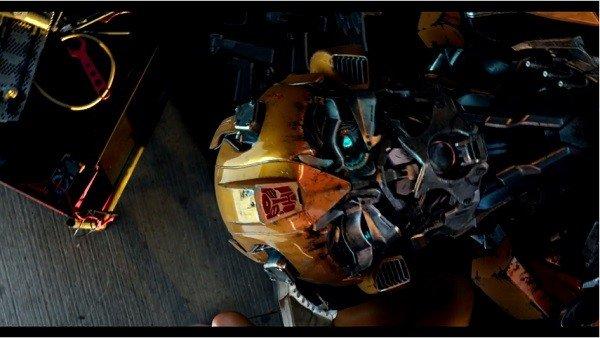 Transformers: El Último Caballero presenta a Izzy en su nuevo tráiler