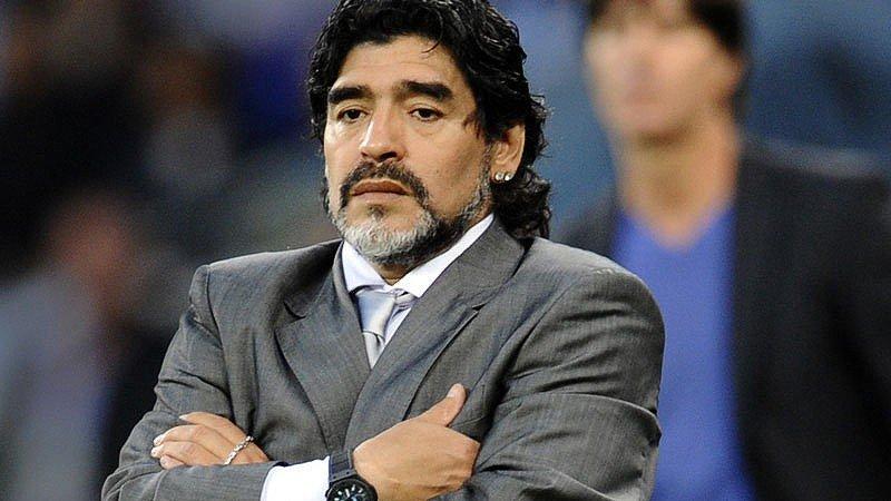 PES 2017: Konami responde a Maradona tras su denuncia