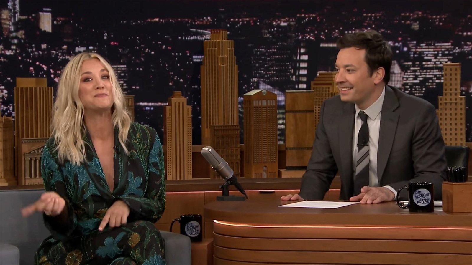 The Big Bang Theory: Kaley Cuoco se atreve a cantar su tema principal
