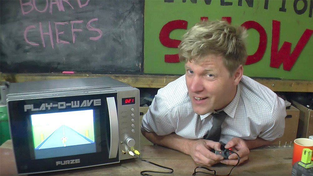 Un youtuber transforma un microondas en una consola