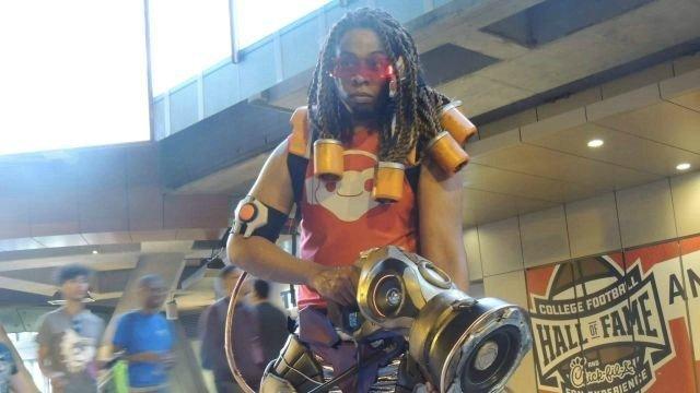 El mejor cosplay de Lucio que vas a ver y oir hoy