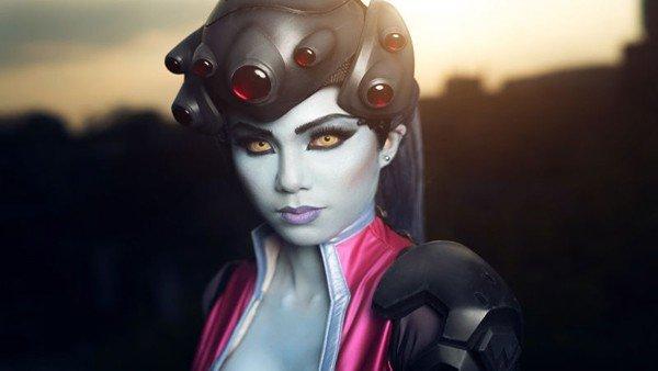 Overwatch: Widowmaker protagoniza un nuevo e impactante cosplay