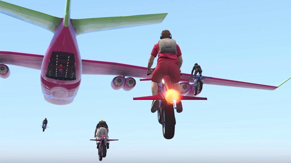 Grand Theft Auto Online: Los jugadores están haciendo acrobacias imposibles con las motos voladoras