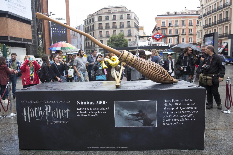 Harry Potter: Destrozan la escultura de la Nimbus 2000 en Madrid tres días después