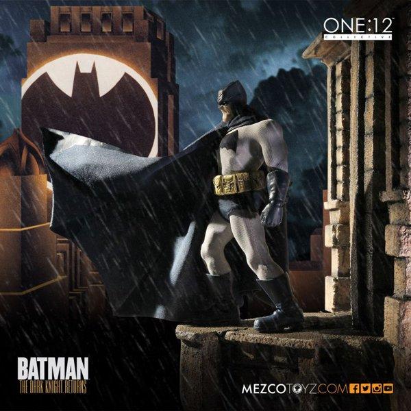 Batman: The Dark Knight Returns presenta una nueva e imponente figura