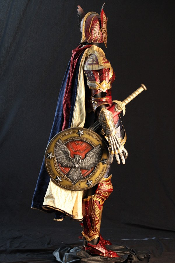 Wonder Woman inspira una impoluta armadura medieval